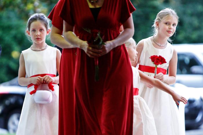 Flower girls ceremony