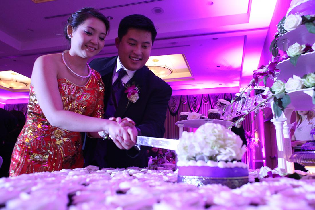 Asian traditional wedding cake cutting cupcakes