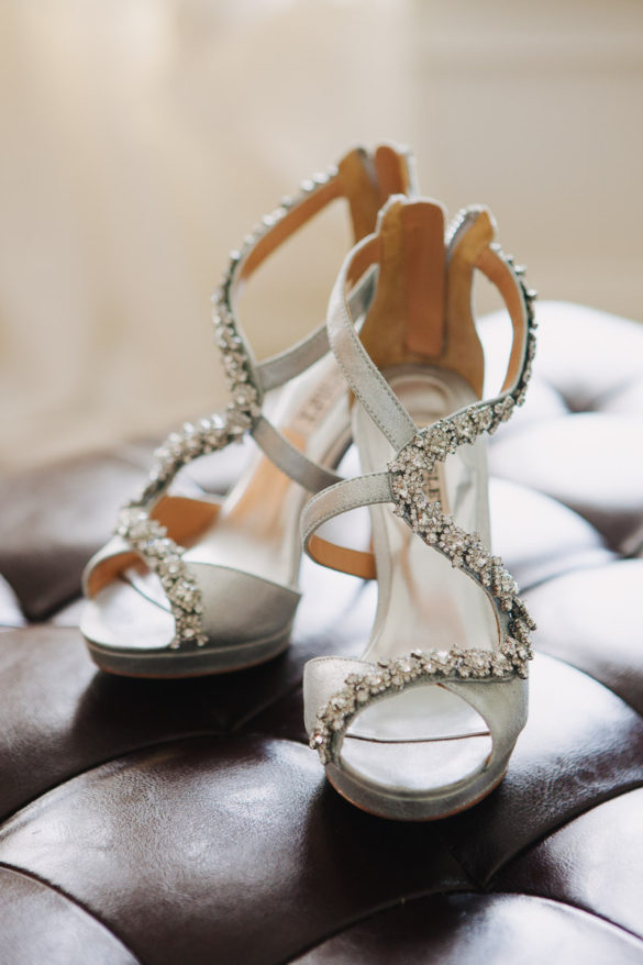 bride wedding shoes sequined