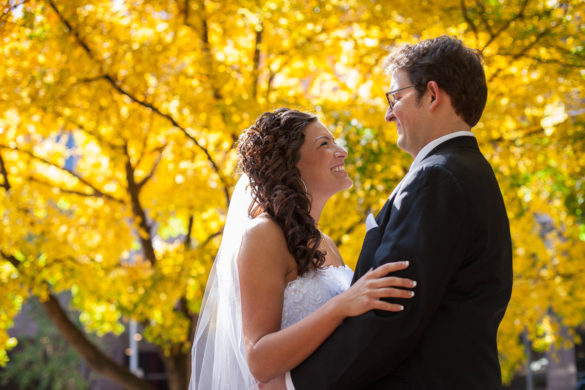 yellow tree fall wedding bride and groom